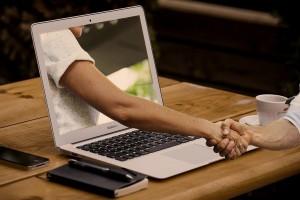 Jak technologia zmieniała edukację, czyli dyplom online