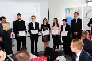 Studenci kierunku ekonomia Politechniki Świętokrzyskiej na podium