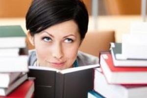 Jak uczelnie przyciągają kandydatów na studia?