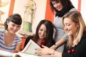 SWPS potwiedza, kształcenie rozwija osobowość