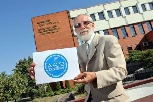 Wydział Nauk Ekonomicznych i Zarządzania UMK ma prestiżową akredytację biznesową AACSB