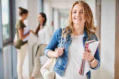 Wybierz studia w Wyższej Szkole Handlu i Usług