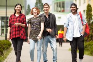 Jaką uczelnię wybrać? Sprawdź międzynarodowe akredytacje!