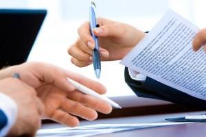 Czy umowa o pracę jest lepsza niż zlecenie?