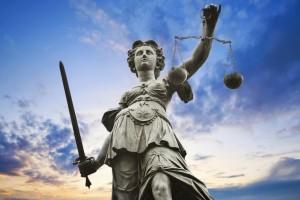 Droga do kariery prawniczej – studia w EWSPiA