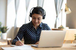 Zdalne studia - zalety, wady, wyzwania