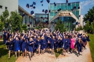 Blisko 90% absolwentów studiów magisterskich w WSPiA znajduje pracę po ukończeniu nauki