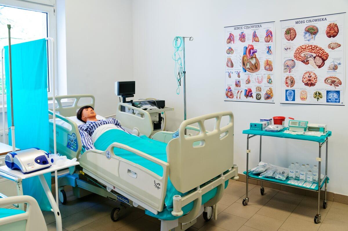 Warszawska Uczelnia Medyczna to pewny start w przyszłość