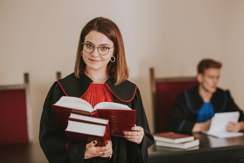 Wybierz unikalne specjalizacje na Wydziale Prawa i Administracji Uczelni Łazarskiego